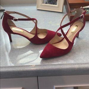 Raspberry suede 6.5 kitten heels by Louise et Cie